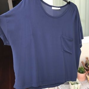 Lush boxy top In navy